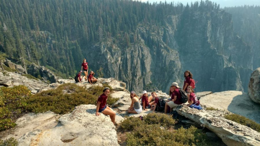 Students+rest+while+hiking+in+Yosemite.%0ACourtesy+of+Allie+Duque+%E2%80%9819.%0A